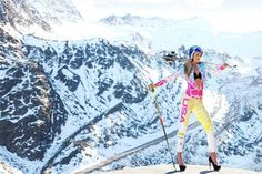 Ski legend Lindsey Vonn looking stunning, mixing ski with heels.