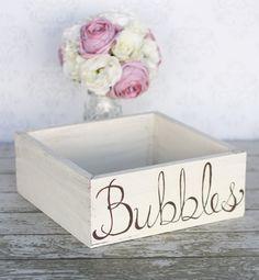 Wedding Bubbles Holder Rustic Tray Box - Easy to Make! Wedding Activities, Wedding Games, Wedding Reception Decorations, Diy Wedding, Wedding Ideas, Wedding Stuff, Happy Balloons, Rustic Card Box Wedding, Wedding Bubbles