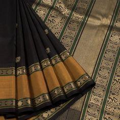 Kanchipuram Pattu Sarees have traditionally been woven in the temple town of Kanchipuram. These fine silk sarees with pure gold zari work are a must have for every Indian Bride Kanjivaram Sarees Silk, Kanchipuram Saree, Soft Silk Sarees, Cotton Saree, Latest Silk Sarees, Wedding Saree Collection, Pakistani Fashion Casual, Saree Photoshoot, Organza Saree