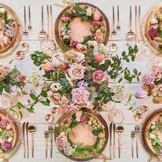 For some serious table top inspiration check out Casa De Perrin . absolutely love their work Table Centers, Wedding Table Settings, Place Settings, Bridal Musings, Reception Table, Wedding Reception, Decoration Table, Tabletop, Wedding Events