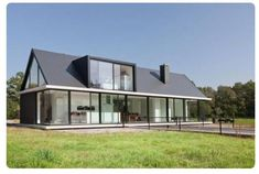 House plans modern farmhouse window new Ideas Barn House Design, Roof Design, Cool House Designs, Modern House Design, Style At Home, Modern Windows, Modern Farmhouse Exterior, New House Plans, Home Fashion