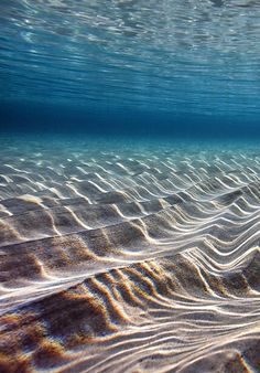 Waves make the sand tumble Beautiful World, Beautiful Ocean, Beautiful Places, Ocean Photos, Beach Images, Underwater Pictures, Ocean Pictures, Water Flow, Deep Water