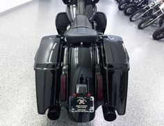 Looks just as good from behind as it does from the front! (CVO Street Glide) #harleydavidsonstreetglide2017