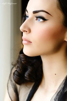 Strong brow. Simple eye.  Beautiful makeup.