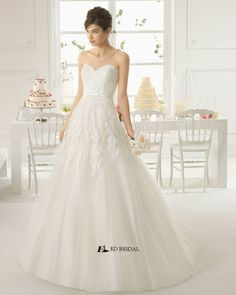 2015 New Collection Ball Gown Strapless Sweetheart Lace Appliqued Korean Wedding Dress