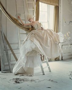 Stella Tennant in 'Lady Grey' Photographer: Tim Walker Dress: Givenchy Haute Couture S/S 2006 Vogue Italia March 2010 Image Fashion, Foto Fashion, Fashion Art, Editorial Fashion, Summer Editorial, Fashion Pics, Fashion Books, Fashion Shoot, Trendy Fashion