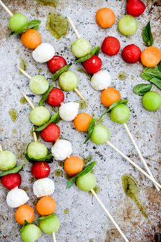 Melon Caprese Skewers with Herb Oil | www.floatingkitchen.net