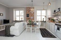Tante idee originali per decorare con stile la propria casa, un tocco di design che rinnova gli interni e dona un nuovo aspetto ad ogni stanza.