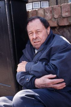 In 1996, (Bill Treacher) was in prison for a crime he didn't commit. Arthur received a blow to his head during a prison fracas. On his release, he suffered a brain hemorrhage at his beloved allotment. He died later in hospital, leaving the Fowler family heartbroken.
