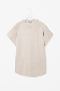 COS | Oversized round-neck top Latest Clothes For Men, Minimalist Fashion, Cos, What To Wear, Ready To Wear, Archive, Dress Up, Essentials, Fashion Outfits
