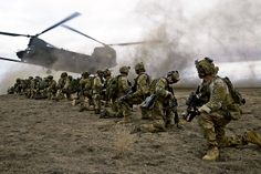 Army Rangers | U.S. Army Rangers, assigned to 2nd Battalion 75th Ranger Regiment, prepare for extraction from their objective during Task Force Training #RLTW