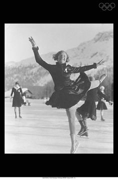 View striking Olympic Photos of Figure skating/St. Moritz 1928 - see the best athletes, medal-winning performances and top Olympic Games moments. Winter Olympic Games, Winter Olympics, Olympic Champion, Women Figure, Nagano, Turin, Salt Lake City, Terms Of Service, Figure Skating