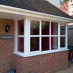 Impressive suggestions to give some thought to House Windows, Facade House, Windows And Doors, Bay Windows, Bay Window Exterior, Modern Brick House, Bay Window Living Room, Square Windows, Bungalow House Design