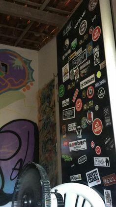 Love Graffiti, Hippy Room, Aesthetic Bedroom, Retro Outfits, New Room, Bedroom Wall, Street Art, Room Decor, Stickers