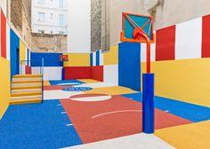 Paris'in Ara Sokağında Rengarenk Bir Basketbol Sahası