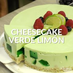 You will love this LEMON GREEN CHEESECAKE! Find the recipe here faciles gourmet de cocina de postres faciles pasta saludables vegetarianas Gelatin Recipes, Jello Recipes, Cheesecake Recipes, Mexican Food Recipes, Sweet Recipes, Dessert Recipes, Easy Desserts, Delicious Desserts, Yummy Food