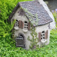 Ivy Cottage | Where to Buy Miniature and Fairy Garden Houses – Part I | Lush Little Landscapes