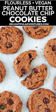 Homemade peanut butter chocolate chip cookies that are flourless, dairy-free, vegan, and gluten-free. These quick and easy eggless cookies are soft, chewy, delicious and call for ONLY seven simple ingredients. They're loaded with gooey chocolate chips and you can have them ready to serve in just 20-minutes! Healthy Vegan Dessert, Cake Vegan, Vegan Gluten Free Desserts, Raw Desserts, Vegan Dessert Recipes, Vegan Treats, Vegan Snacks, Dairy Free Recipes, Vegan Recipes Easy