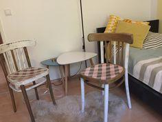 """Bugholzsessel 2 Stück, liebevoll neu gestaltet, im Used-Look zum Sitzen, als auch bloß als Hingucker oder Blumenstockerl es handelt sich von der Idee her um ein """"Pärchen"""", bitte Bilder genau ansehen, die Gestaltung der Stühl ist gegengleich. Home Decor, Dining Chairs, Furniture, Chair"""
