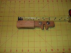 TÉCNICAS DE CUERO: ¿cómo construir herramientas para el cuero? Diy Leather Splitter, Leather Carving, Horseshoe Art, Leather Tooling, Homemade Tools, How To Build, Knives, Hipster Stuff