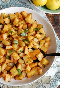 Spicy Lebanese Potatoes are crisp on the outside, tender on the inside and will spice up any meal. The sauce on these po Best Side Dishes, Side Dish Recipes, Lemon Potatoes, Parsley Potatoes, Russet Potatoes, Butter Potatoes, Cooking Recipes, Healthy Recipes, Easy Lebanese Recipes