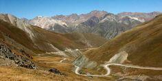 Biketeam Radreise durch  Kirgistan - Mountainbiken im Tien-Shan-Gebirge Mtb, Mount Everest, Europe, Tours, Mountains, Nature, Travel, Bike Rides, Mountain Range
