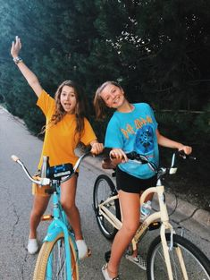 things to do yet this summer if you're bored 10 Cute Friend Pictures, Friend Photos, Cute Photos, Bff Pics, Family Pictures, Cute Friends, Best Friends, Best Friend Fotos, Shooting Photo Amis