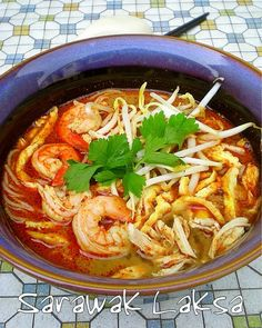 Whenever my mother makes a trip down to KL, I always request for a packet of sambal laksa paste. Eating Sarawak laksa makes me reminisce hom… Healthy Canned Soups, Laksa Recipe, My Favorite Food, Favorite Recipes, Asian Recipes, Ethnic Recipes, Asian Foods, Malaysian Food, Malaysian Recipes