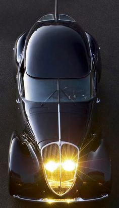 1939 Peugeot 402.