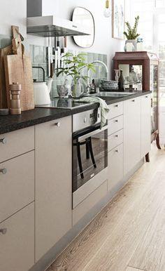 Nordisk kjøkken i mørk mokka: Se modell Stockholm Kitchen Unit Doors, Kitchen Cabinets, Nordic Kitchen, New Kitchen, Kitchen Models, Stockholm, Types Of Doors, Other Rooms, Beige