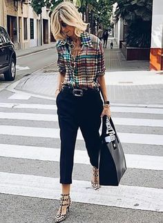 Latest fashion trends in women's Blouses. Shop online for fashionable ladies' Blouses at Floryday - your favourite high street store. Casual Work Outfits, Professional Outfits, Work Attire, Chic Outfits, Fashion Outfits, Womens Fashion, Fashion Over 40, Work Fashion, Fashion Looks