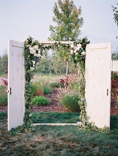 Photography: Laura Nelson - lauranelsonphotography.com/ Venue: Hillcrest Orchard - www.roxyann.com/ Floral Design: Beyond The Garden Gate - www.southernoregonflowers.com/   Read More on SMP: http://www.stylemepretty.com/2015/10/19/diy-oregon-wedding-with-an-instagram-love-story/
