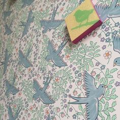 Birds on my walls - #eijffingerforrice designed by @along_came_aggie  - my favorite wallpaper