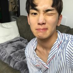 "78.2k Likes, 1,026 Comments - KEY (@bumkeyk) on Instagram: ""뿌어뿌아 빼빼"""