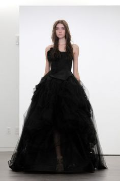 11 nejlepších obrázků z nástěnky Svatební šaty  966fbfd56e
