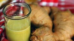 This Juice Is Excellent For Removing Uric Acid From The Body & Reducing Joint Pain - Daily Health Magazine Detox Drinks, Healthy Drinks, Diet For Dialysis Patients, Purine Diet, Organic Recipes, Ethnic Recipes, Uric Acid, Easy Detox, Simple Detox