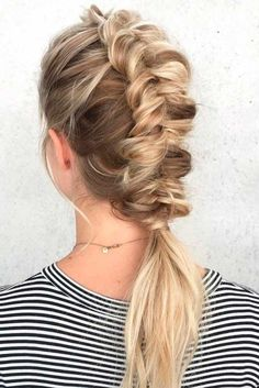Awesome 94 Hairstyle for Medium Length Hair http://outfitmad.com/2018/05/11/94-hairstyle-for-medium-length-hair/