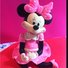 Minnie Mouse Cake Topper Learn how to make her With Our Step by step instruction  Www.cupncakesgourmet.com