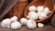 Food to Stop Smelly Farts - For those of you kentutnya smell, please refer to the fine food to stop smelly farts. Garlic Chips, Garlic Benefits, Blueberry, Herbalism, Stuffed Mushrooms, Vegetables, Health, Food, Eten