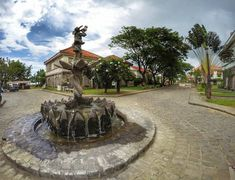 LAS CASAS FILIPINAS DE ACUZAR: A NEW HOME FOR THE OLD HOUSES – lakwatserongdoctor Cheap Web Hosting, Old Houses, Sidewalk, Old Things, New Homes, Mansions, House Styles, Manor Houses, Old Homes