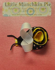 Buzzing bumble bee ribbon hairclip. $6.00, via Etsy.