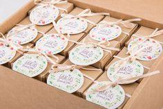 Pack de 24 cajitas con bomba de semillas aromáticas o flores silvestres. Para regalar a tus invitados en bodas, babyshower o cualquiera de esos momentos especiales de reunión.