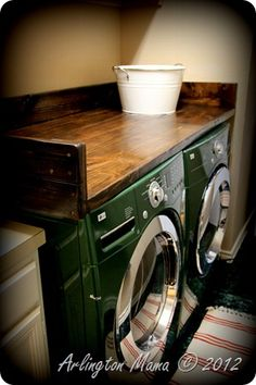 Put work surface on top of washer/dryer and repaint old wash tub to use for laundry. -lay on top of washer and dryer with a rubber mat underneath Laundry Room Organization, Organization Ideas, Laundry Storage, Deco Cool, Laundry In Bathroom, Laundry Rooms, Laundry Table, Laundry Cabinets, Basement Laundry