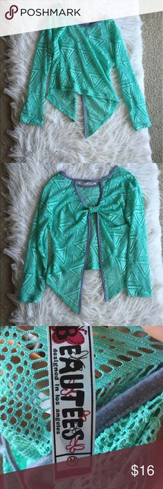 🆕 Beautees bow back top This top is super adorable! I especially love the back :) great condition! 👺NO TRADES DONT ASK! ✌🏼️Transactions through posh only!  😻 friendly home 💃🏼 if you ask a question about an item, please be ready to purchase (serious buyers only) ❤️Color may vary in person! 💗⭐️Bundles of 5+ LISTINGS are 5️⃣0️⃣% off! ⭐️buyer pays extra shipping if likely to be over 5 lbs 🙋thanks for looking! Beautees Shirts & Tops Blouses