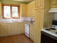 Cuisine Location Chalet, Kitchen Island, Kitchen Cabinets, Canada, Home Decor, Kitchens, Island Kitchen, Kitchen Cupboards, Kitchen Base Cabinets