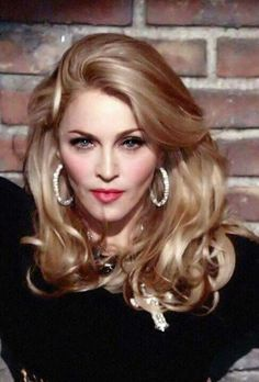 ##madonna Lady Madonna, Madonna Art, Laura Vandervoort, Divas, Kristin Kreuk, Christina Hendricks, Alexandra Daddario, Scarlett Johansson, Madona