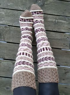 Fair Isle Knitting, Knitting Socks, Crochet Projects, Sewing Projects, Leg Warmers, Handicraft, Mittens, Knitting Patterns, Knit Crochet