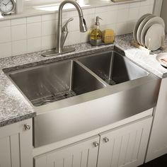 Sink reveal at counter edge