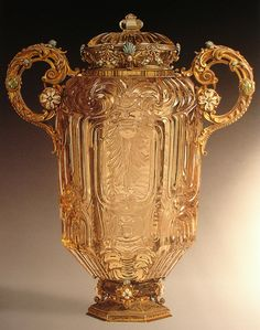 The Maienkrug, carved from smoky quartz. Dionysio Miseroni made this for Count Karl-Eusebius of Liechtensteim in 1639.