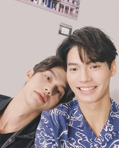 the series 👬 Tine x Sarawat ❤ Bright Vachirawith & Win Metawin Handsome Prince, Handsome Boys, Pretty Boys, Cute Boys, Isak & Even, Bright Wallpaper, Lgbt, Bright Pictures, Boy Photography Poses